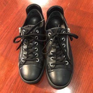 Louis vuitton mens sneaker shoes